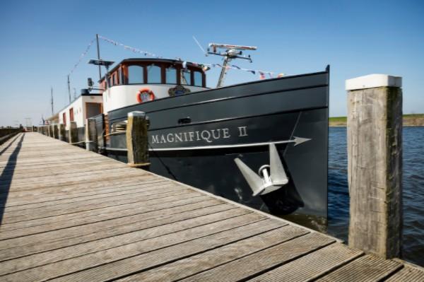 floating hotel magnifique II installatiewerk door de vries koudum